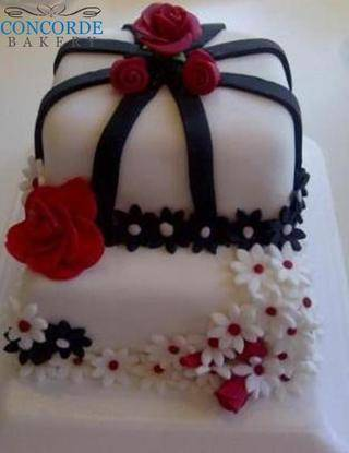 red white and black flower 2 tier